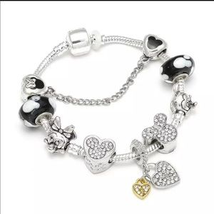 21cm Brand New Minnie Mickey Mouse Charm Bracelet